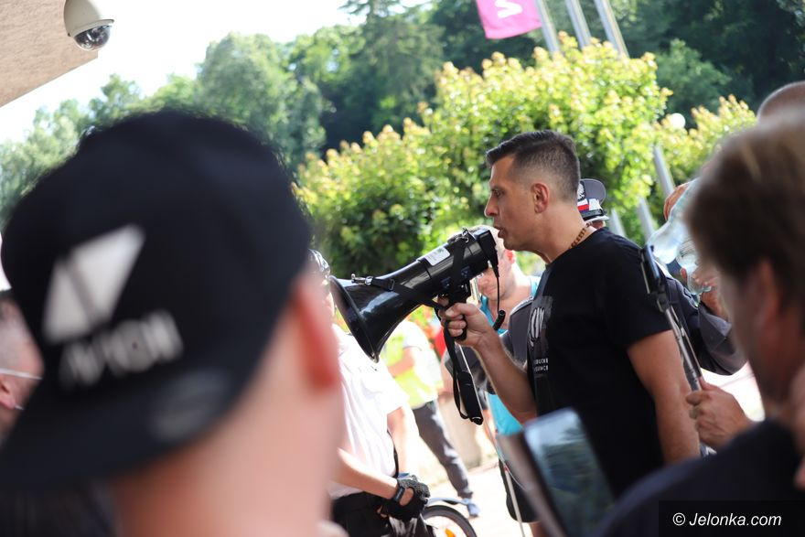 Jelenia Góra: Spotkanie PiS zakłócone