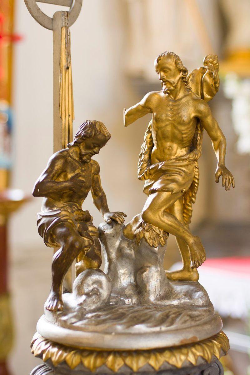 Krzeszów: Remont chrzcielnicy