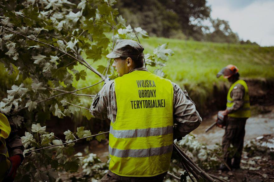 Gmina Wleń: Pomogli terytorialsi