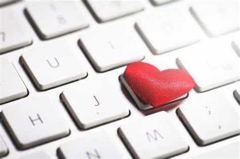 Kraj: Dzień Wirtualnej Miłości