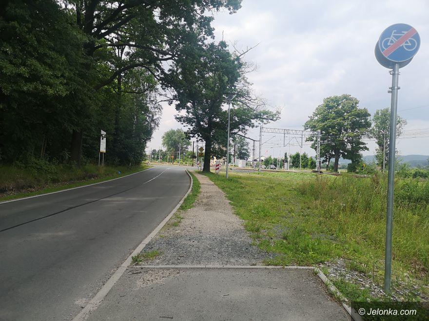 Jelenia Góra: Chodnik przy Łomnickiej też dokończą?