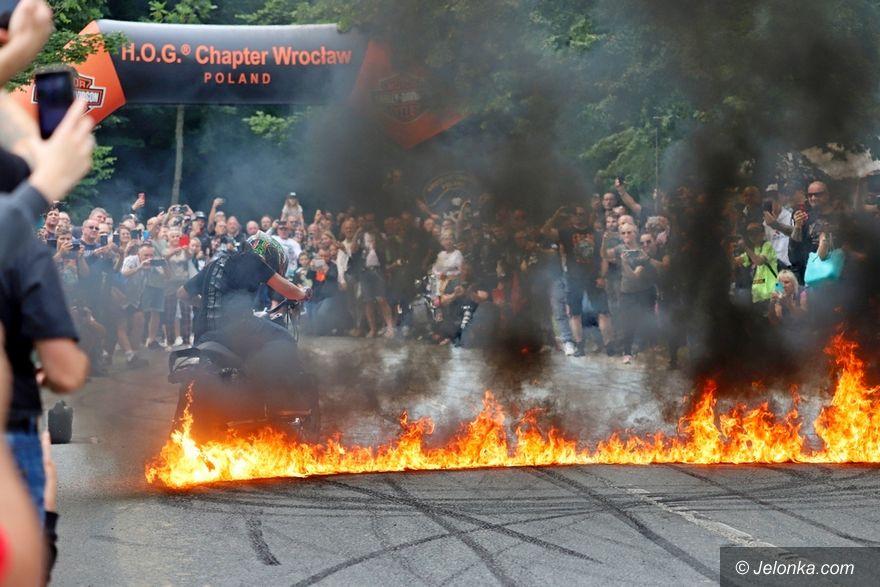 Karpacz: Motocykliści opanowali Karpacz