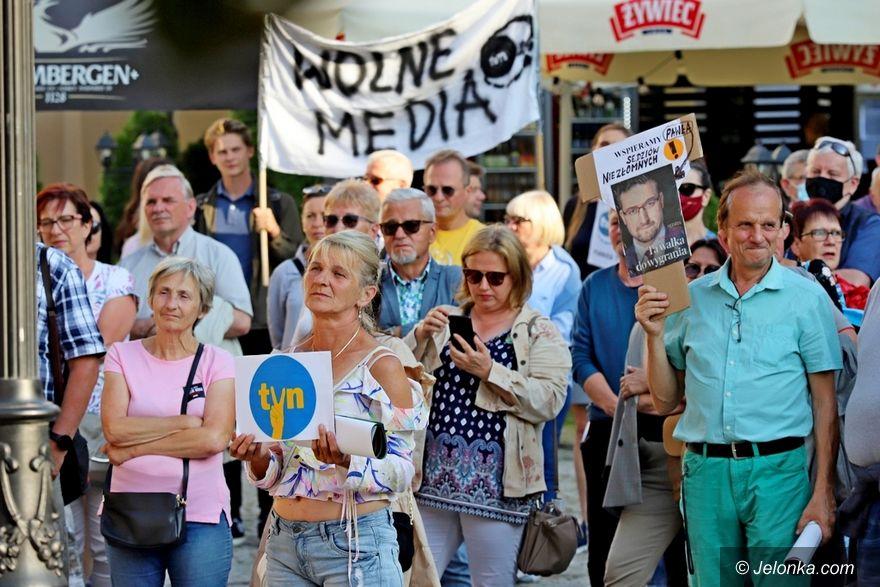 Jelenia Góra: KOD w sprawie mediów