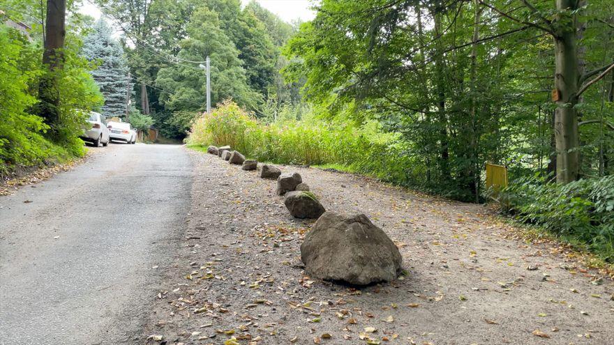 Jelenia Góra: Brak parkingu w okolicy Wodospadu Podgórnej