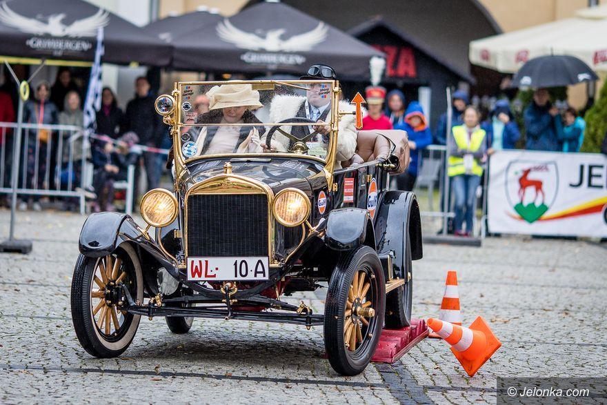 Jelenia Góra: Zaprezentowali piękne, zabytkowe pojazdy