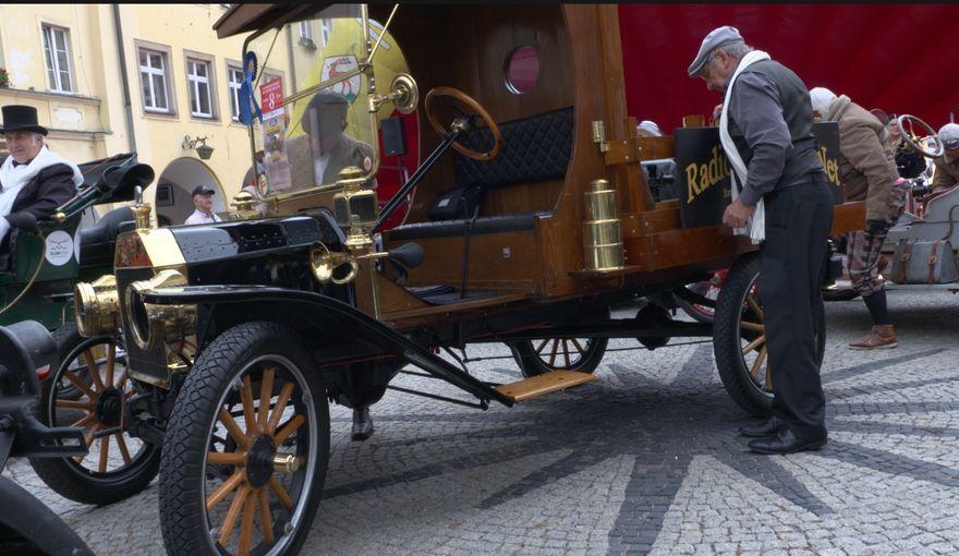 Jelenia Góra: Motoryzacyjne klasyki w Jeleniej Górze