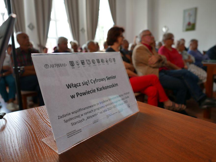 Powiat: Kawiarenki dla seniorów