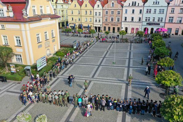 Bolesławiec: Apel w rynku pamięci Szarych Szeregów