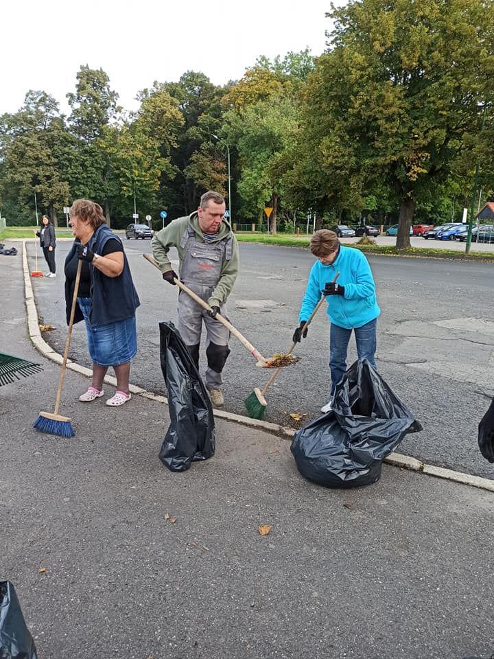 Kowary: Tłumne sprzątanie miasta