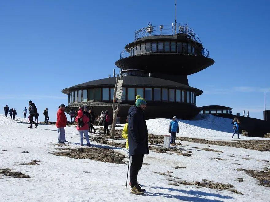 Karkonosze: Śnieżyło na Śnieżce