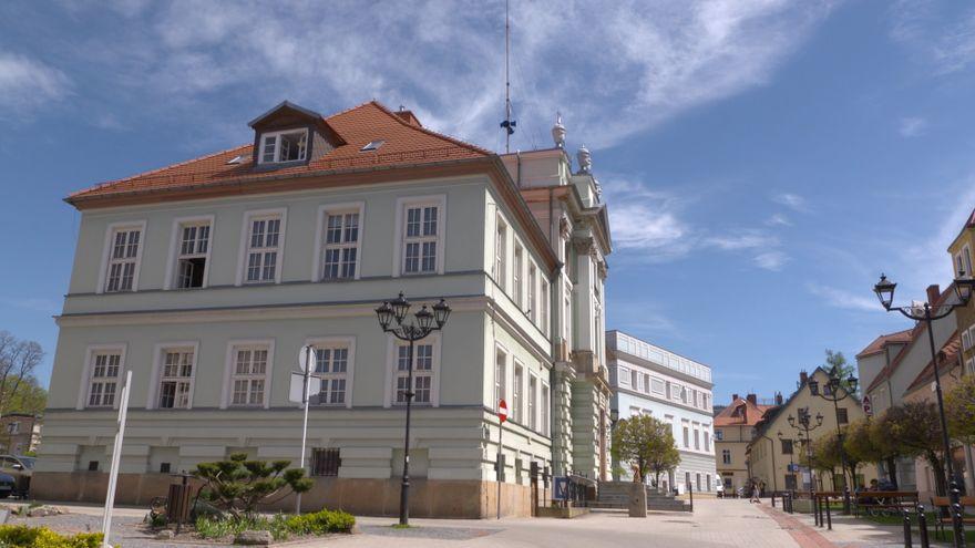 Jelenia Góra: Komunikacja powiatowa także w Kowarach?