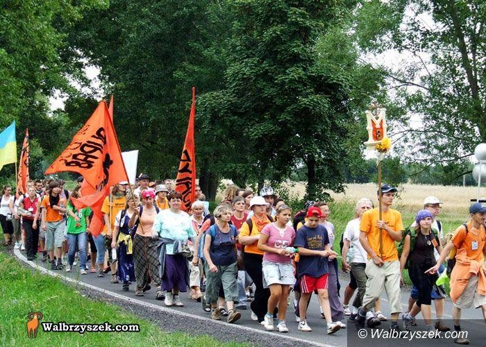 REGION, Głuszyca: Mieszkańcy Głuszycy na pielgrzymce