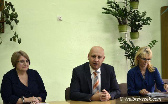 Wałbrzych: Pierwszy honorowy profesor oświaty w naszym powiecie