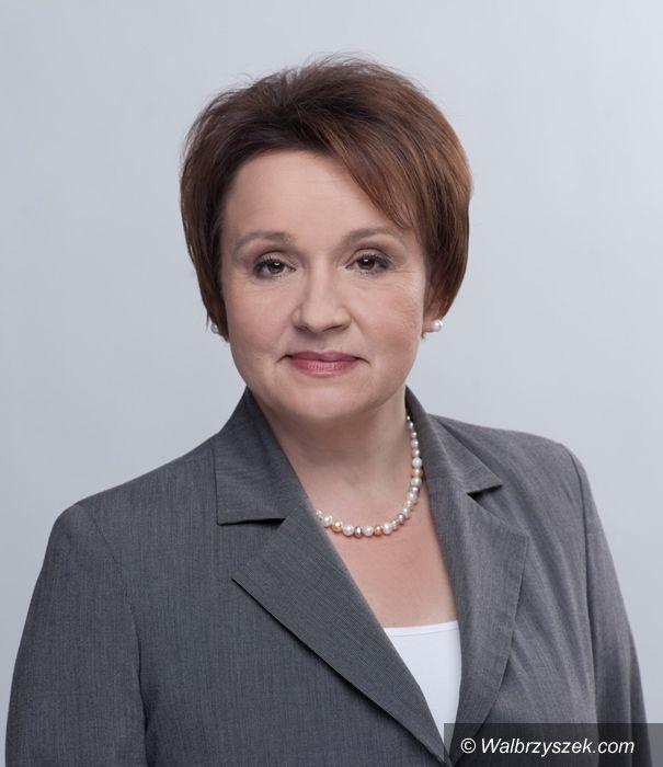 Wałbrzych: Poseł Anna Zalewska pyta o stypendia dla najzdolniejszych studentów