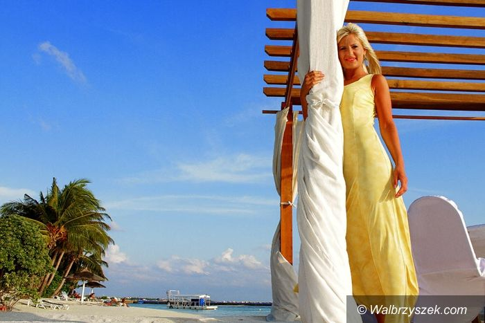 Wałbrzych: Edyta Nawrocka nagrywa teledyski na Malediwach
