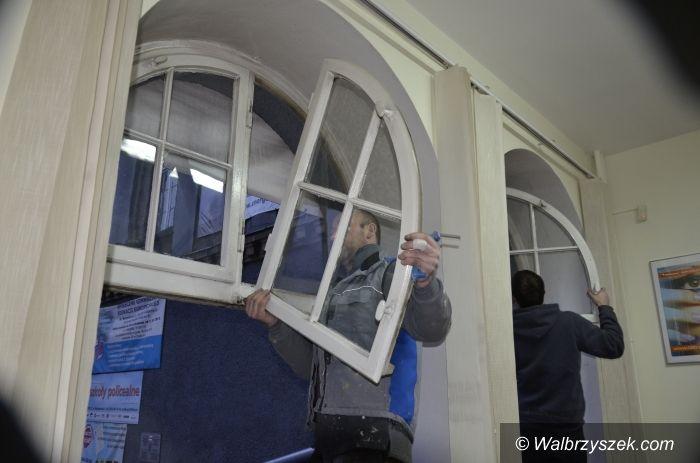 """Wałbrzych: ,,Energetyk"""" ma nowe okna"""