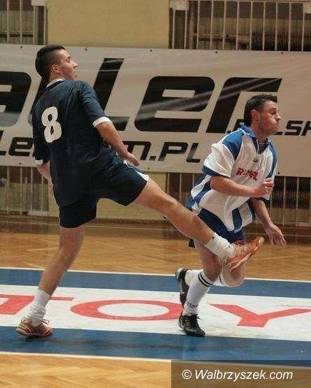 Dobromierz: Halowy turniej piłki nożnej w Dobromierzu z udziałem naszych