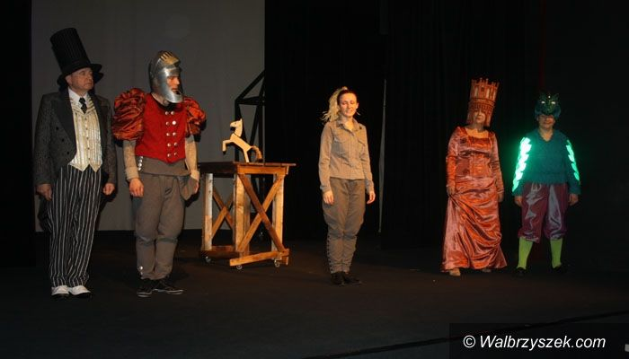 Wałbrzych: Przedpremierowo w Teatrze Lalki i Aktora
