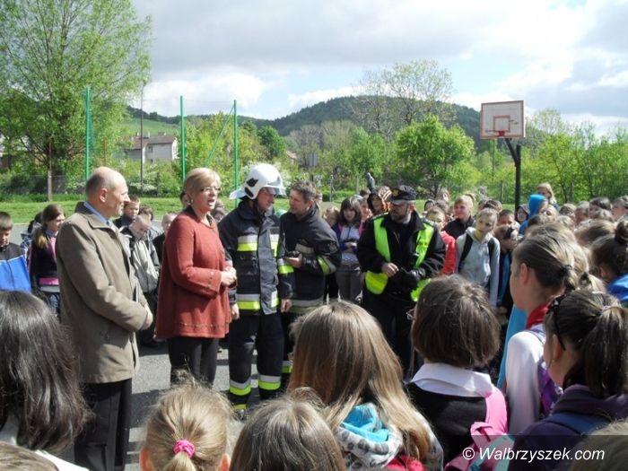 REGION, Boguszów-Gorce: Uczniowie bezpiecznie ewakuowani