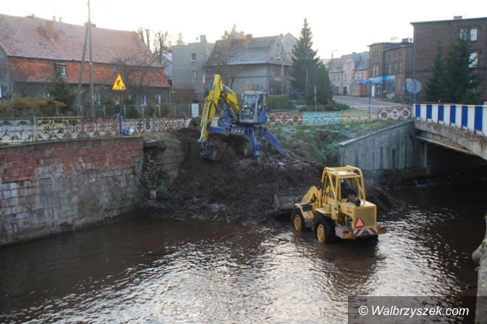 Region: Ciąg dalszy zabezpieczeń mieszkańców Głuszycy przed powodzią