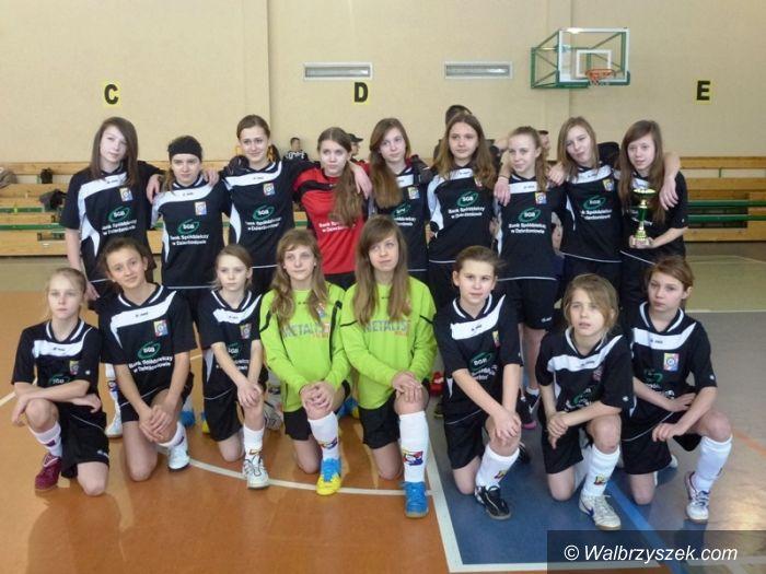 Walim: I Halowy Turniej Piłki Nożnej Kobiet w Walimiu