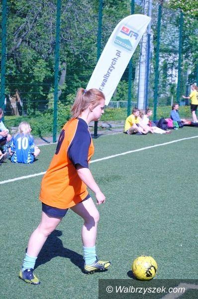 Wałbrzych: Piłkarskie zmagania gimnazjalistek