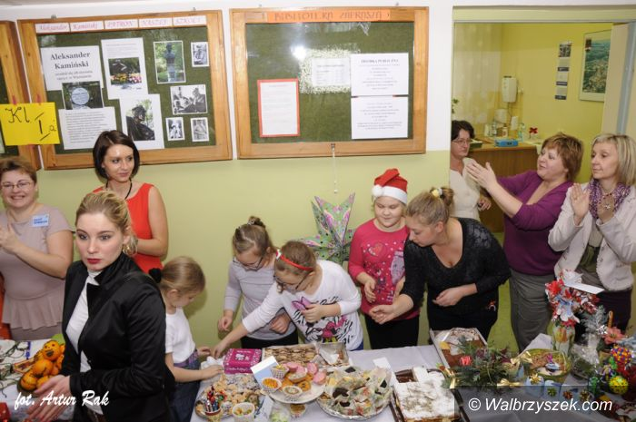 """Wałbrzych: Kiermasz świąteczny w """"szóstce"""""""