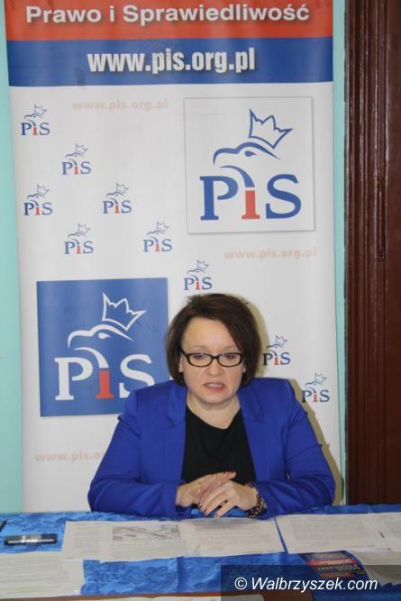 Wałbrzych: Posłanka Anna Zalewska apeluje do prezydenta Romana Szełemeja