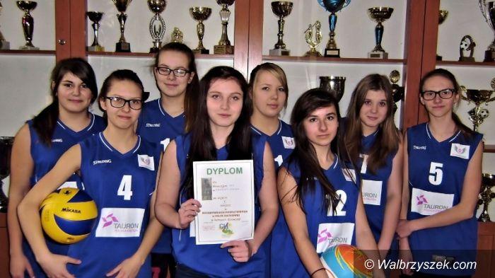 REGION: Siatkarskie osiągnięcie gimnazjalistek z Boguszowa–Gorc