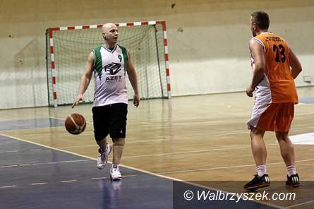 Wałbrzych: Podzielona kolejka koszykarskich amatorów