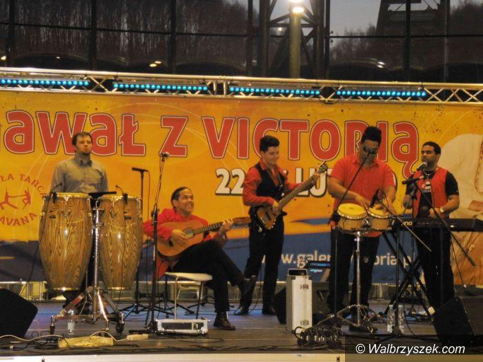 Wałbrzych: Galeria Victoria w karnawałowych rytmach – koncert Jose Torresa & Havana Dreams