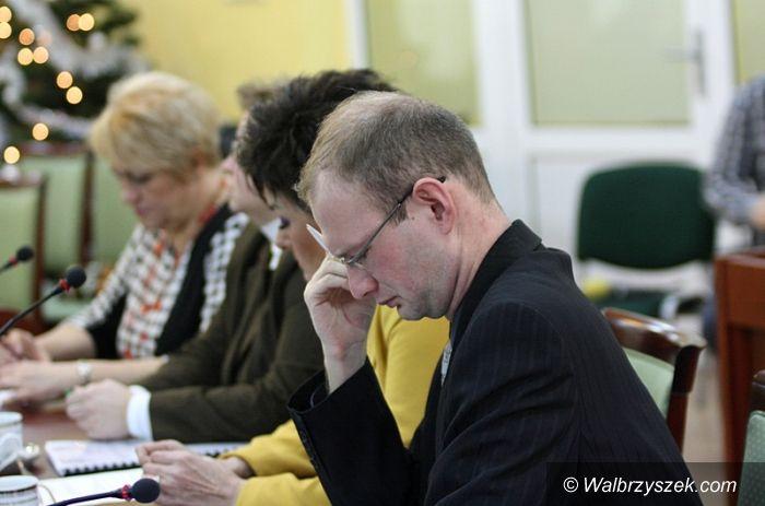 powiat wałbrzyski: Starosta odpowiada na zarzuty radnego Kamila Orpla