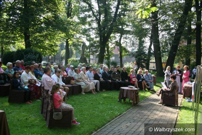 REGION, Głuszyca: W Głuszycy Sienkiewicz zagościł w Ogrodzie Jordanowskim