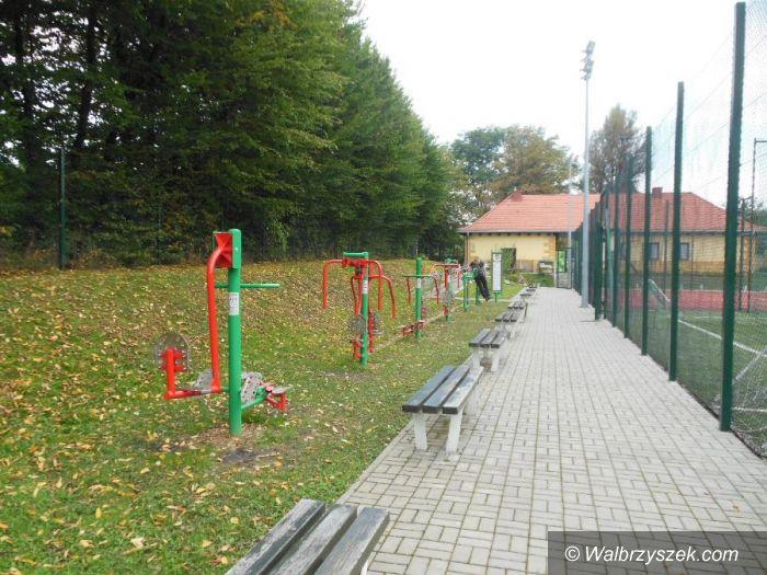 REGION, Szczawno Zdrój: Fitness na kompleksie boisk przy ul. Topolowej w Szczawnie Zdroju