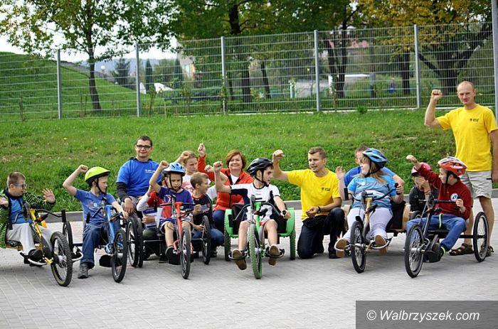 """Wałbrzych: Akcja """"Rower bez barier"""" przy ZSIO"""