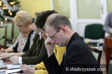 powiat wałbrzyski: Radny Orpel gani Zarząd