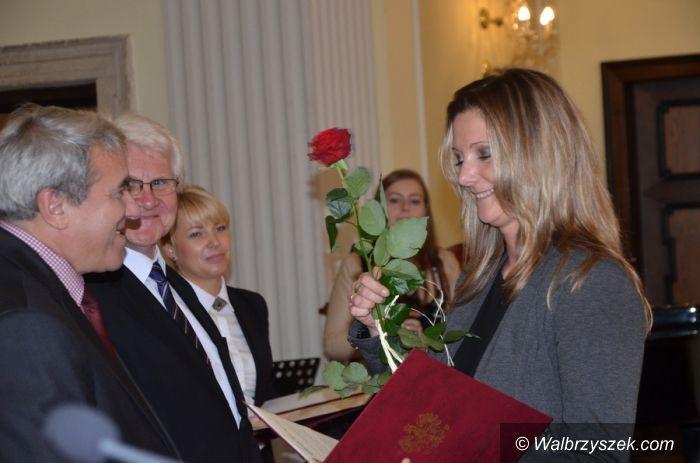 powiat wałbrzyski: Starosta nagrodził nauczycieli