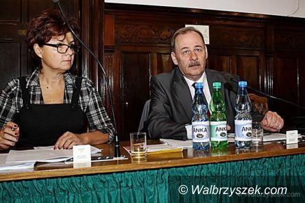 Wałbrzych: Przyjmą budżet na 2015 rok i ustalą wysokość wynagrodzenia prezydenta miasta