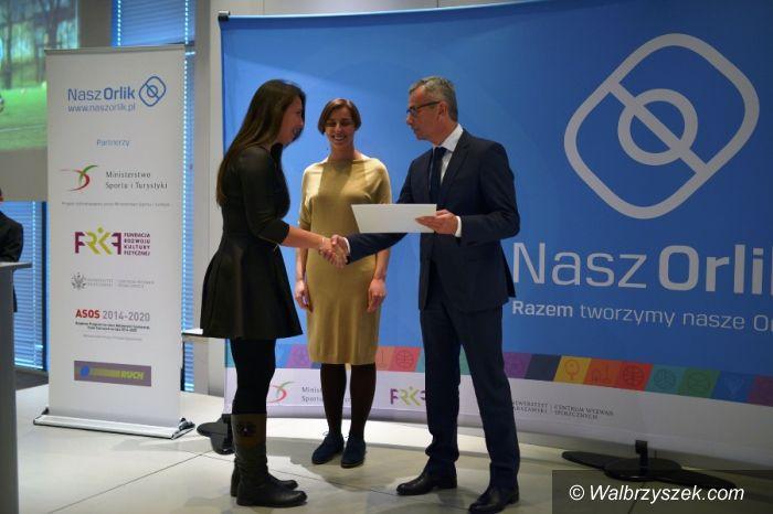 REGION: Minister Sportu i Turystyki Andrzej Biernat nagrodził najlepszych animatorów orlików