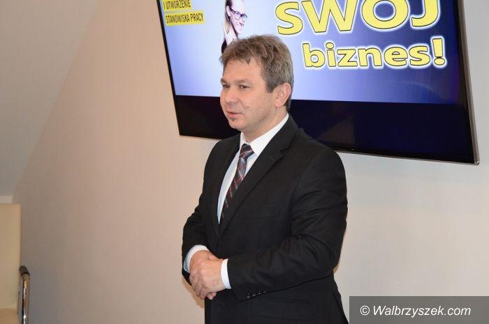 """Wałbrzych: Jest pierwsza umowa w ramach rządowego programu """"Wsparcie w starcie II""""!"""