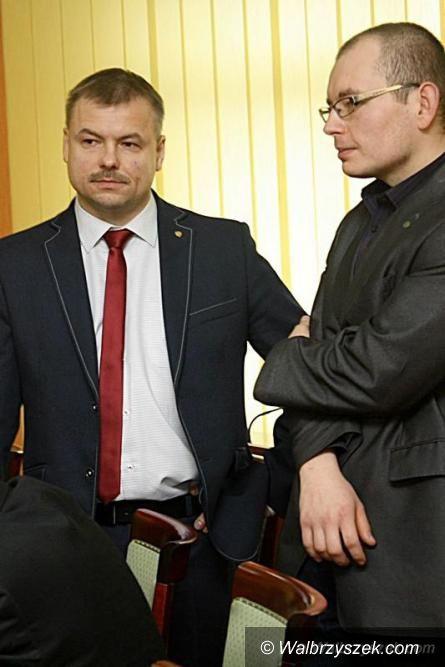 powiat wałbrzyski: Starosta powinien zarabiać jak menadżer