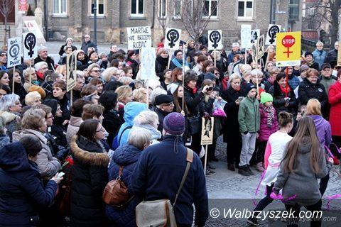 Wałbrzych: Czy angażowanie dzieci w marsze kobiet jest etyczne?