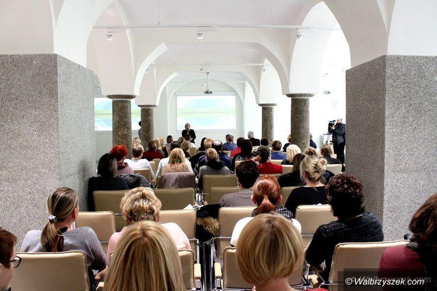 Wałbrzych: Debata o profilaktyce przeciwdziałania uzależnieniom