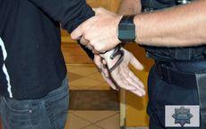"""Wałbrzych: Dwóch złodziei w rękach policjantów z """"jedynki"""""""