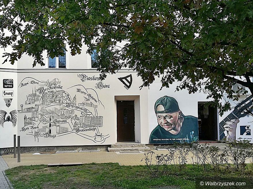 """Wałbrzych: """"Siwy"""" na muralu"""