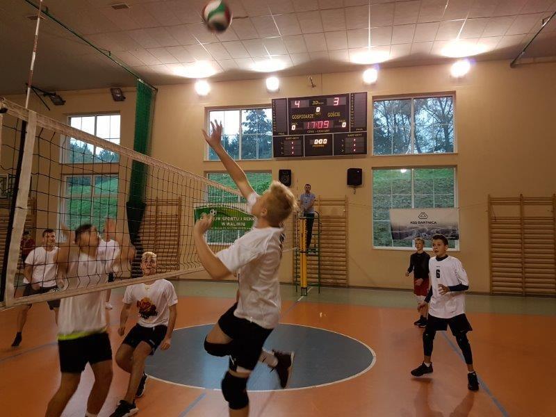 Walim: Powiatowy turniej siatkówki za nami