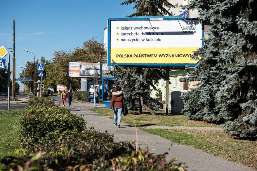 """Wałbrzych/Kraj: Kampania """"Polska państwem wyznaniowym?"""" także w Wałbrzychu"""