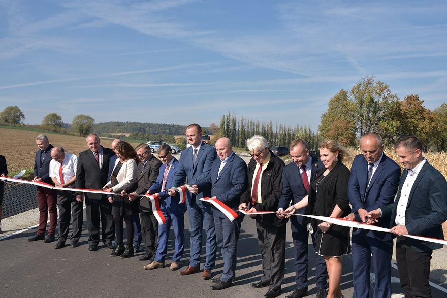 powiat wałbrzyski: Zrobili 100 kilometrów dróg