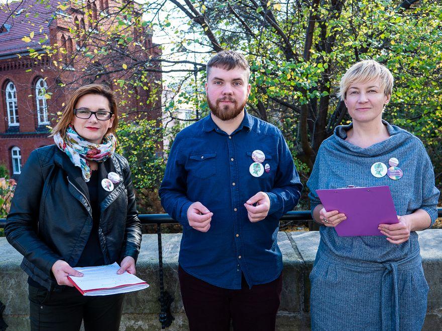 Wałbrzych: Anna Stabrowska z Partii Razem i Marta Wosak z Ogólnopolskiego Strajku Kobiet mówiły o polityce prokobiecej w samorządzie