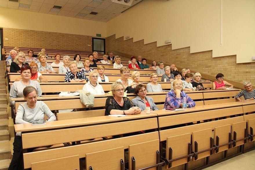 Wałbrzych: Uniwersytet Trzeciego Wieku przy PWSZ rozpoczął nowy rok akademicki